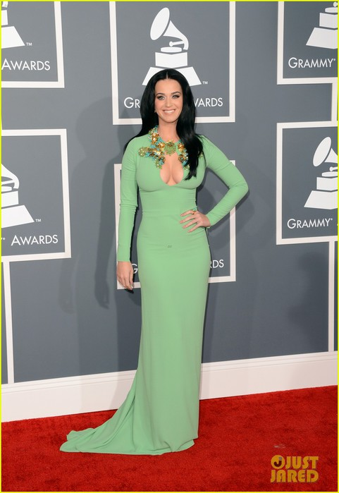 katy-perry-grammys-2013-red-carpet-04 (481x700, 65Kb)