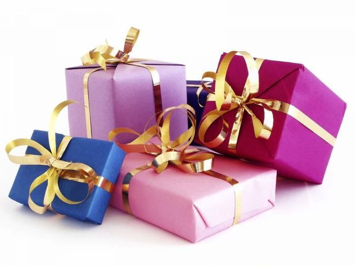 Картинки по запросу Советы, которые помогут вам выбрать новогодний подарок