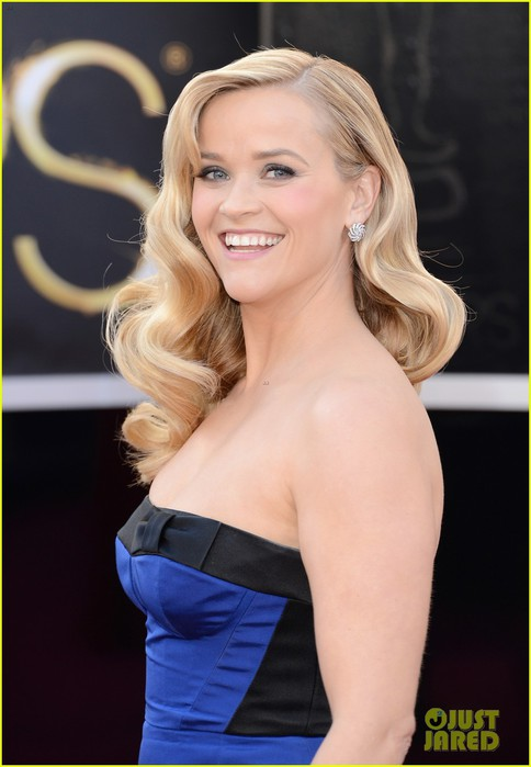 reese-witherspoon-oscars-2013-red-carpet-02 (484x700, 61Kb)