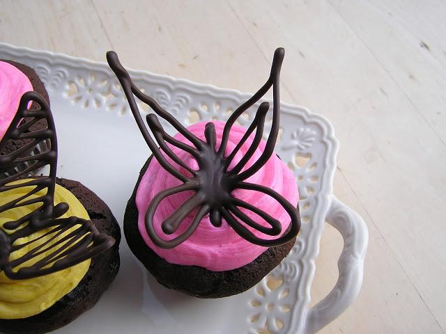 Шоколадные бабочки для украшения тортов и кексов