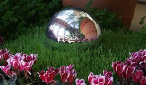 Декоративные шары из цемента для сада. Идеи и мастер-класс (30) (294x171, 10Kb)