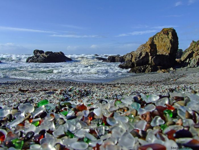 323927500002000glass_beach_08 (700x526, 328Kb)