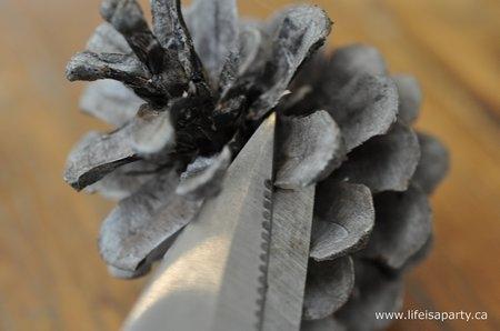 Желуди из шишек и мешковины для осеннего декора. Мастер-класс (5) (450x298, 58Kb)