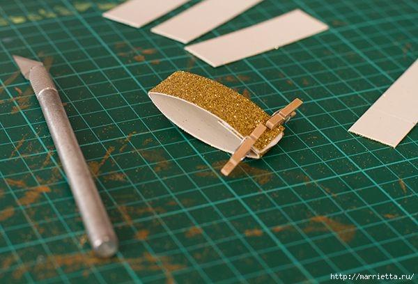 Рождественские звезды из декоративной металлизированной бумаги (4) (600x408, 139Kb)