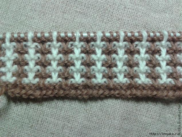 Вязание спицами из двух разных цветов