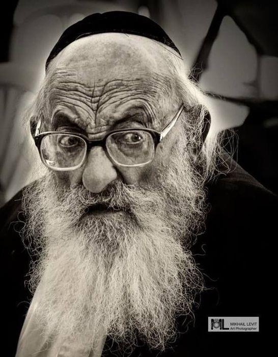 поделилась фото старого еврея прикол фигурки состав
