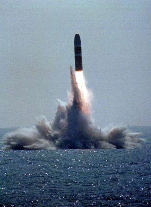 гифка массового старта баллистических ракет