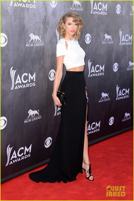 taylor-swift-acm-awards-2014-red-carpet-17 (467x700, 86Kb)