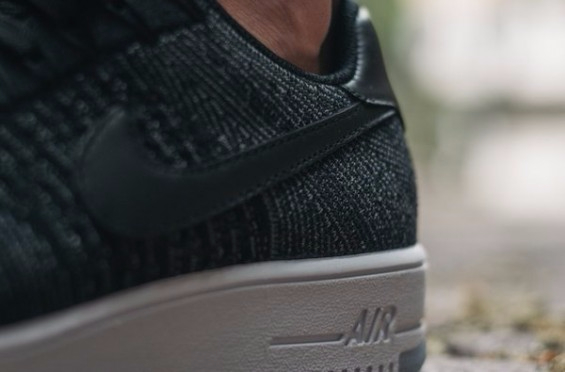 Nike-Air-Force-1-Ultra-Flyknit-Low-Black-2-565x372 (565x372, 103Kb)