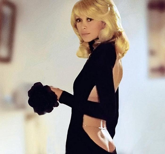 a1dd7623a78 Черные платья культовых актрис из знаменитых фильмов - intofact