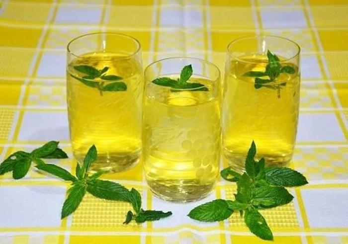 137150689 090617 1631 1 Как сделать очень «вкусный» спрей, который защитит от комаров в любое время года