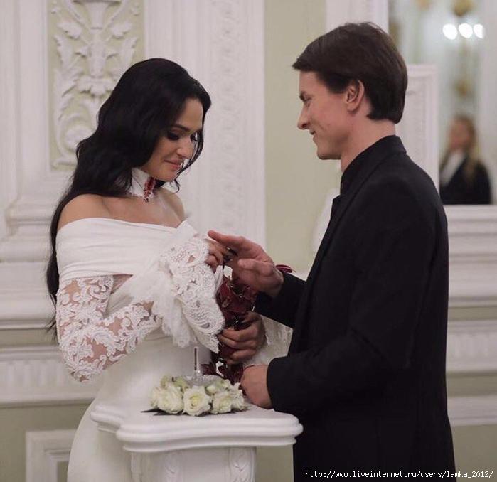 Алене Водонаевой подарили квартиру на свадьбу