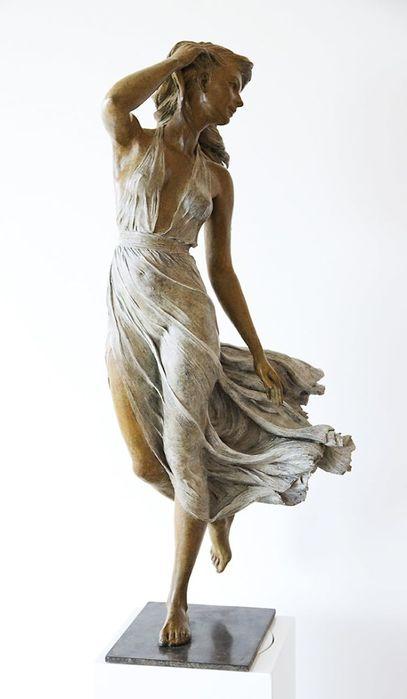 realistic-female-sculptures-luo-li-rong-17-59c8a3f0deb7e__700 (607x900, 28Kb)
