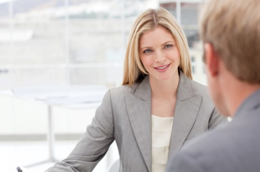 Правильный зрительный контакт— самый быстрый и эффективный невербальный сигнал другому человеку