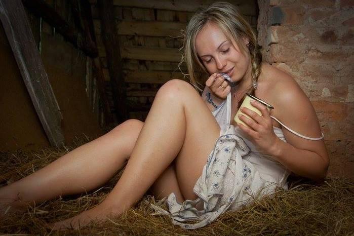 Фото простых русских голых девушек Нашел