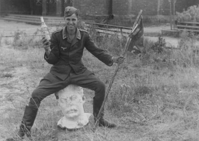 Что гитлеровцы употребляли для поднятия боевого духа на войне