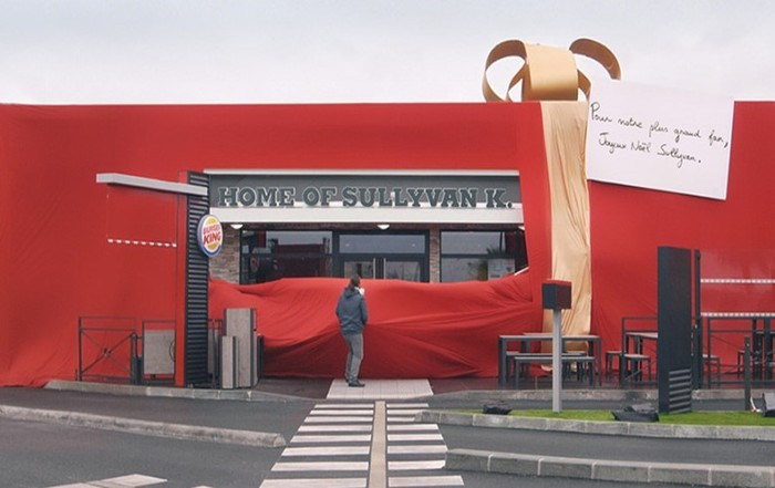 139230435 122317 2318 BurgerKing1 Burger King подарил целый ресторан своему самому активному поклоннику