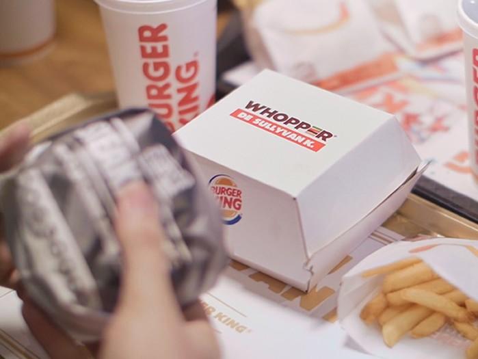 139230439 122317 2318 BurgerKing5 Burger King подарил целый ресторан своему самому активному поклоннику