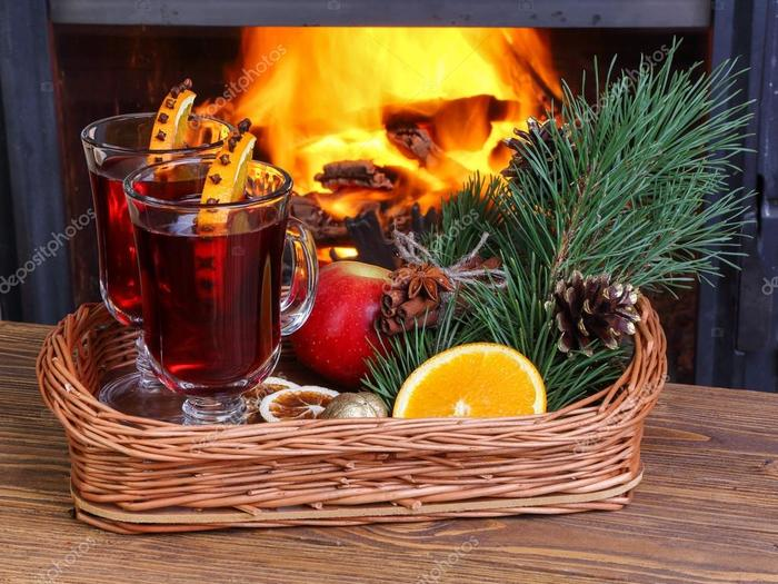 depositphotos_53407423-Mulled-wine-on-a-wicker (700x525, 78Kb)