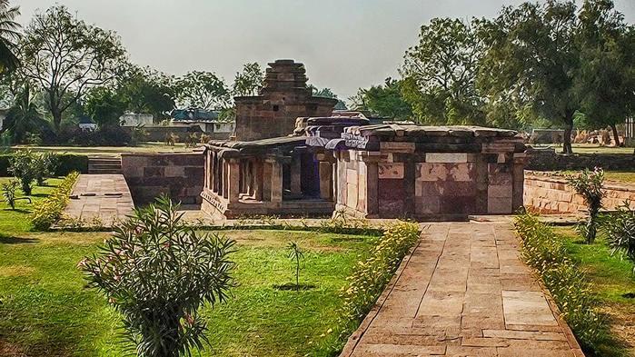 Храмы Айхоле. Индия/3673959_DSCF5845_HDR (700x393, 89Kb)