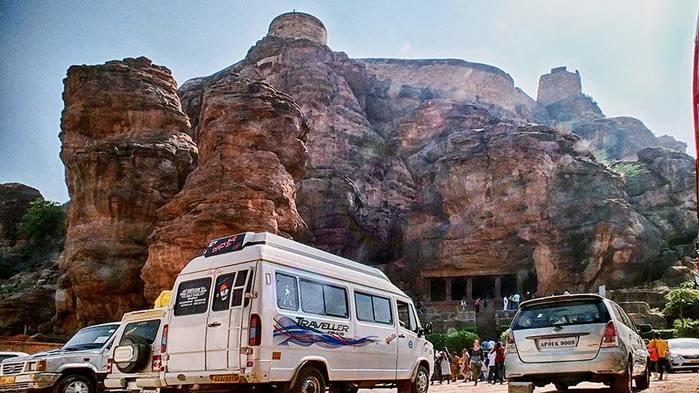 Пещеры Бадами. Индия/3673959_7 (700x393, 65Kb)