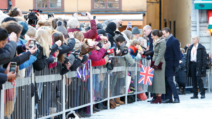 will-kate-sweden-30jan18-32-1 (700x394, 385Kb)