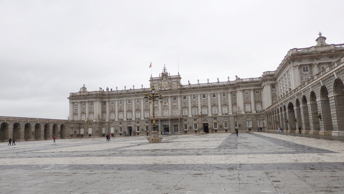 029 Королевский дворец (700x393, 255Kb)