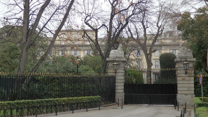 081 Дворец де Луриа (700x393, 378Kb)
