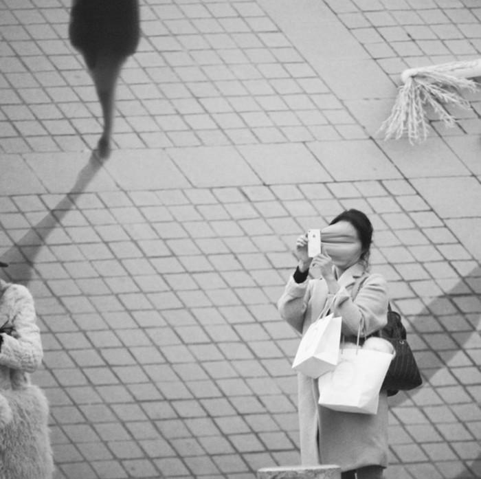 Смартфоны— похитители душ: фотограф Антуан Гейже представил жуткие снимки