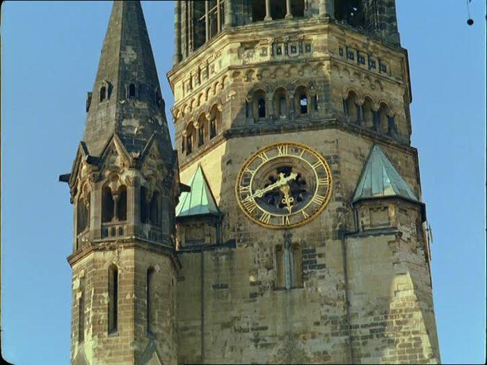 866411163-neorromanico-egon-eiermann-iglesia-a-la-memoria-del-emperador-guillermo-de-alemania-kurfuerstendamm-calle (900x725, 63Kb)