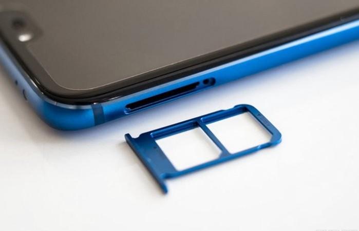 Новый флагманский смартфон Honor 10 удивил всех