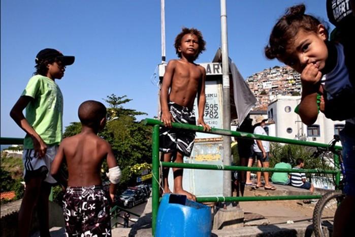 142335483 060818 1311 12 Гениальные фотографии талантливых уличных фотографов