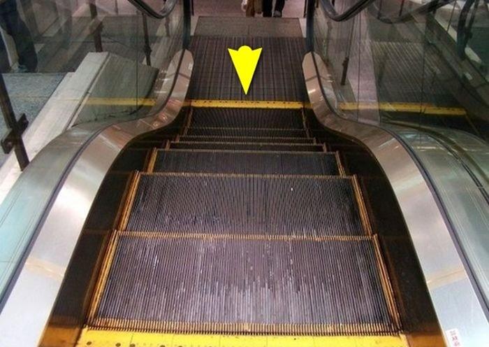 Вот для чего нужны объёмные полоски на ступеньках эскалатора!