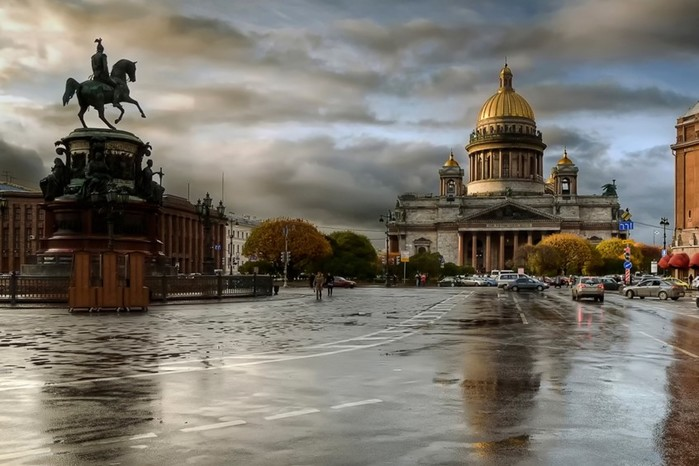 В честь кого назван Санкт-Петербург?