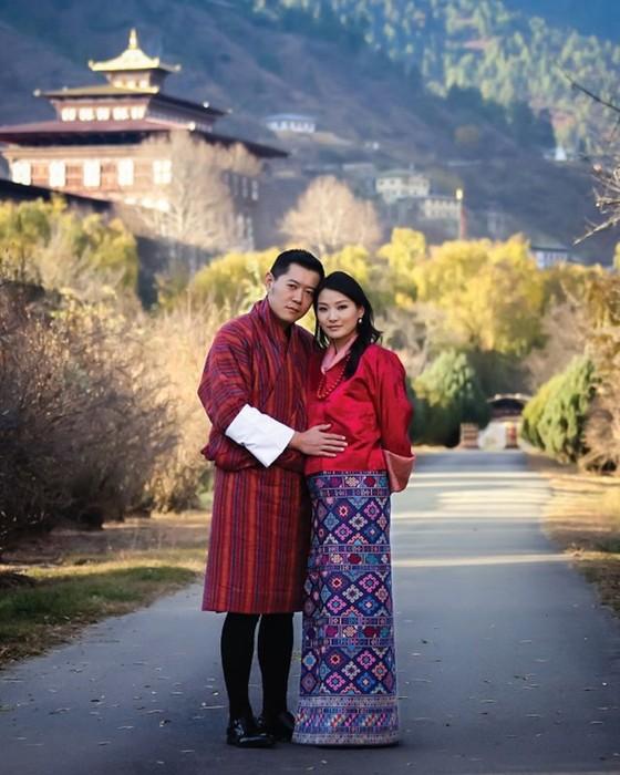 142517489 062218 0559 10 Кейт Миддлтон из Бутана: жизнь самой молодой королевы в мире