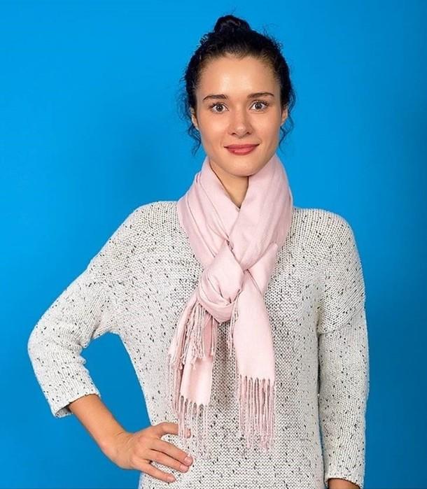 8 основных способов повязывания шарфа, которые дополнят осенний образ