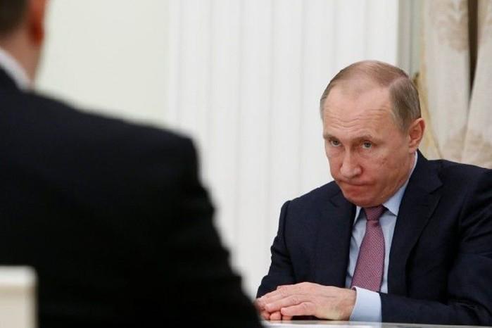 О реакции Владимира Путина наснижение своего рейтинга рассказал Песков