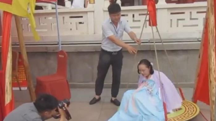 Сотни пухлых китаянок заслужили бесплатные развлечения