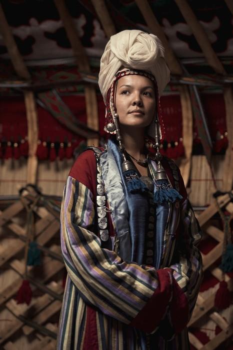 Как иностранцы воспринимают кыргызских девушек?