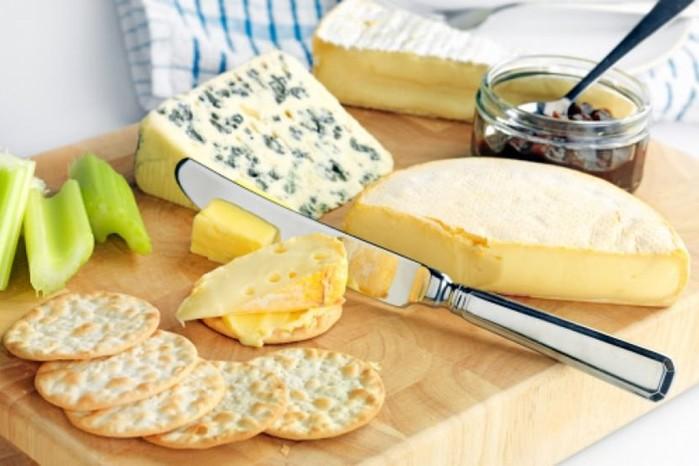 Самые полезные виды сыра названы учеными