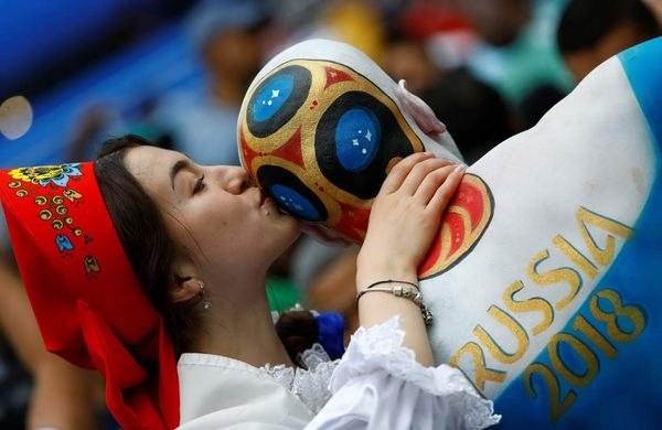 1529324424_world_cup_fans_2018_002544_008 (600x390, 201Kb)