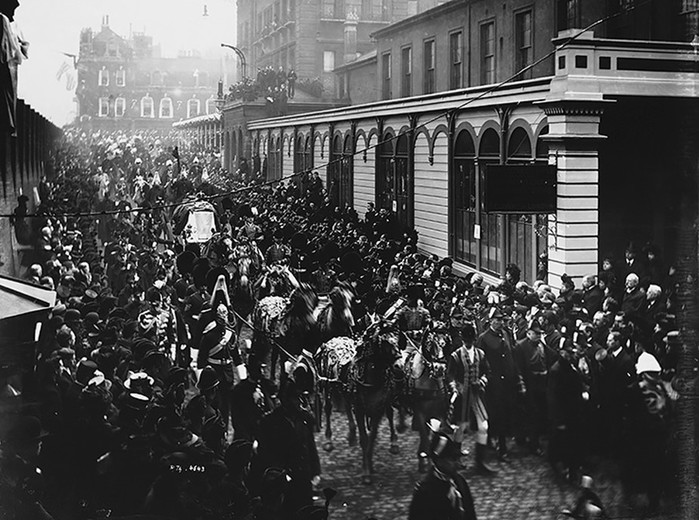 История королевы Виктории, которая подчинила себе империю, любовь и даже смерть