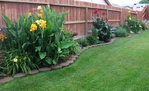 Превью best-25-landscaping-along-fence-ideas-on-pinterest-privacy-fence-landscaping-fence-landscaping-and-backyard-landscaping-privacy-tiny-backyard-garden-ideas-backyard-potted-plant-ideas (528x322, 161Kb)