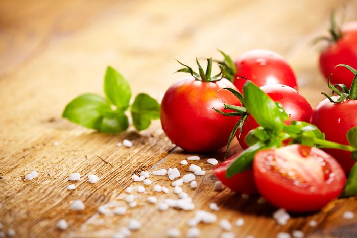 Tomatoes_550946_5616x3744 (700x466, 352Kb)