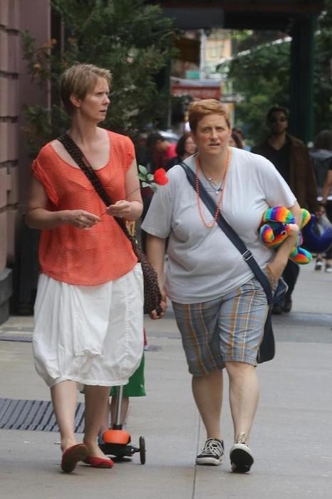 Кара Делевинь, Синтия Никсон и еще 5 девушек, которые предпочитают девушек