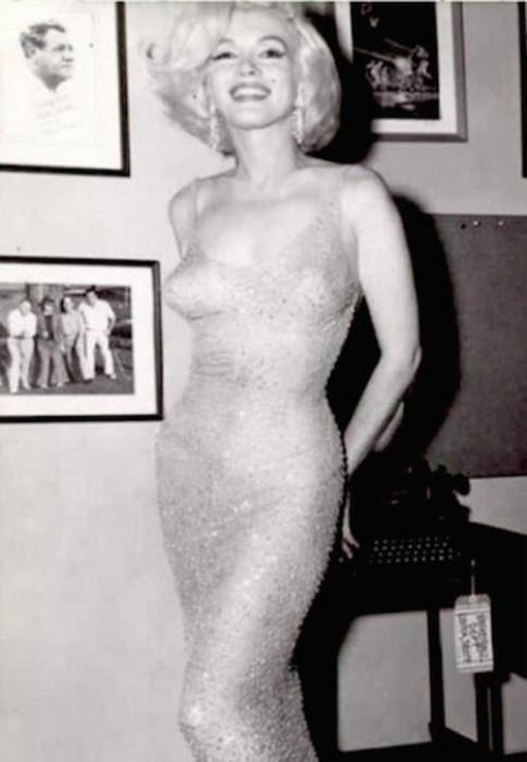 143465239 082518 1601 5 Самое скандальное выступление Мэрилин Монро: «С днём рожденья, мистер президент!»