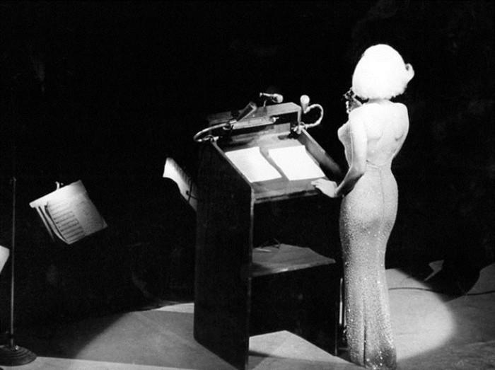 143465241 082518 1601 7 Самое скандальное выступление Мэрилин Монро: «С днём рожденья, мистер президент!»