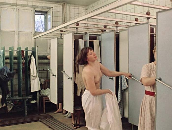 голая в советском кино на стуле отрывок - 6