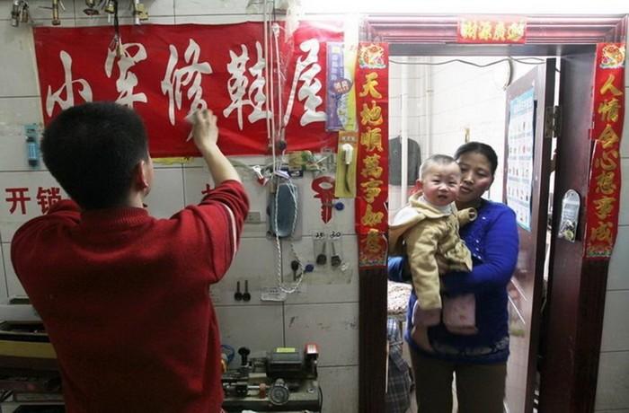 143801217 091818 1702 6 Пара молодоженов из Шэньяна вынуждены жить в туалете отеля