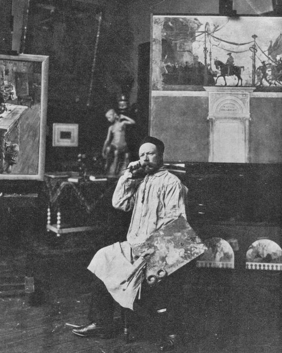 Carl Larsson in his studio c1900 photo Public Domain (560x700, 150Kb)